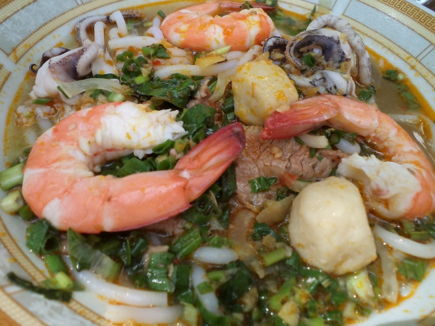 A Perfect Bowl of Sweet/Tangy Seafood Soup